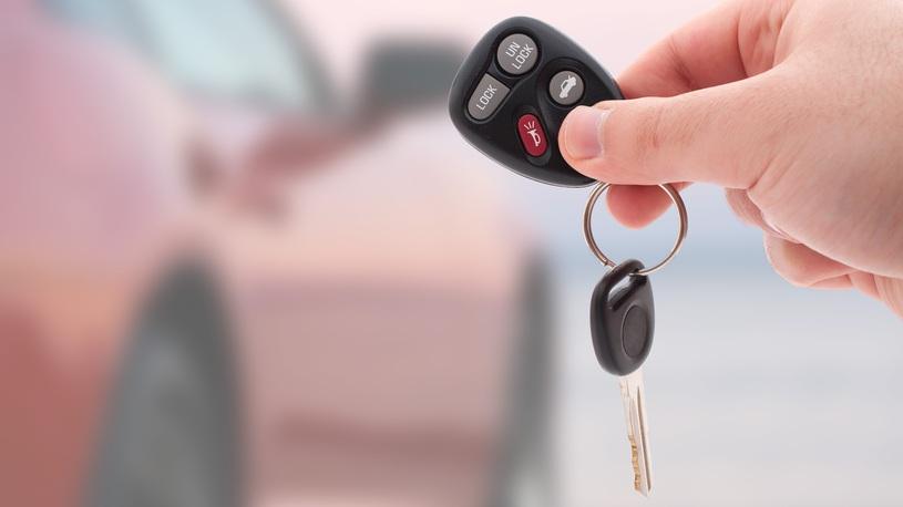 Автомобильный рынок в апреле продолжил расти
