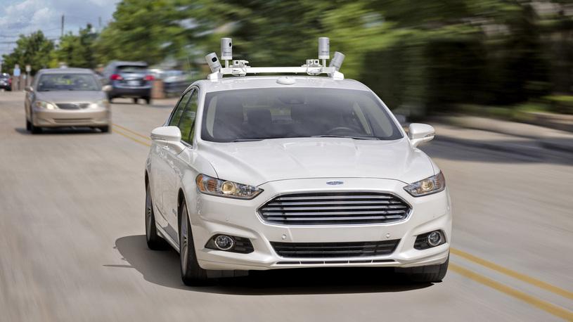 Ford лишит такси руля и педалей