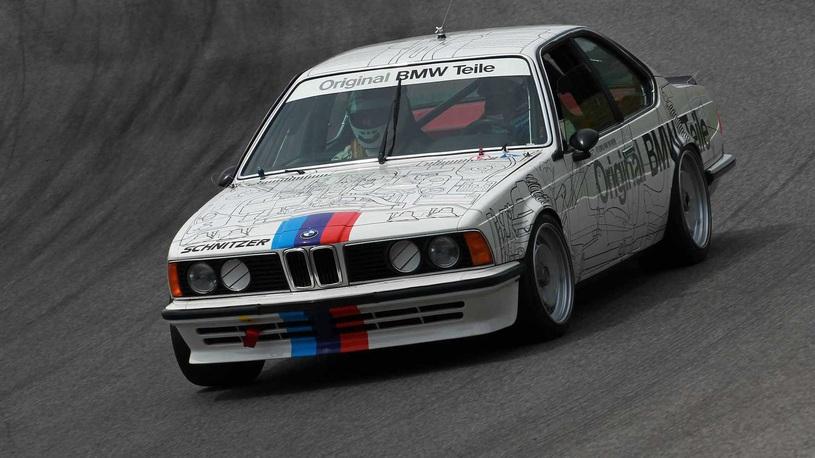 Мужик, подкинь до восьмидесятых: катаемся на гоночной BMW 1983 года