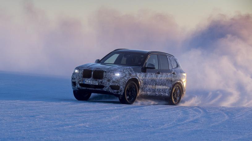 Компания BMW озвучила дату премьеры нового X3