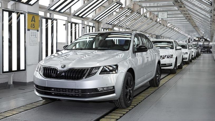 Производство автомобилей в России начало расти
