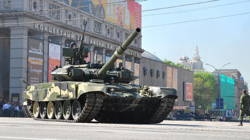 Центр Москвы закроют для парковки до конца Парада в день Победы