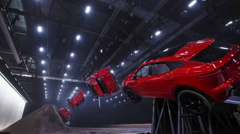 Новый Jaguar E-Pace выполнил рекордную