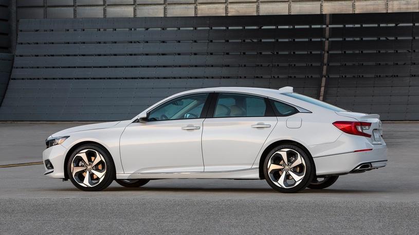 Honda не планирует возвращать в Россию модели Civic и Accord