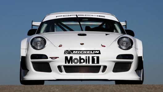 Новая гоночная версия Porsche 911 GT3 R - еще быстрее и лучше