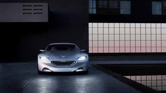 Peugeot SR1: новый фирменный стиль компании