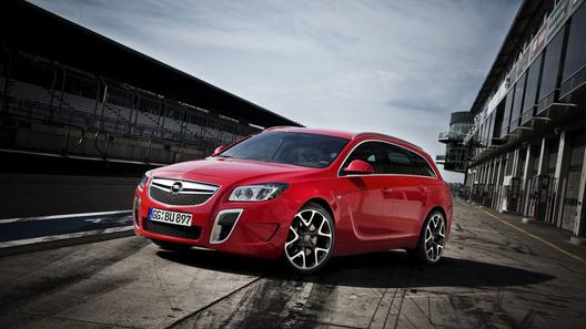Opel Insignia OPC обойдется россиянам в 1,6 млн рублей