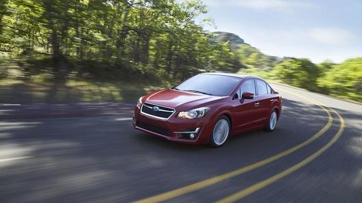 Subaru Impreza научилась следить за дорожной обстановкой