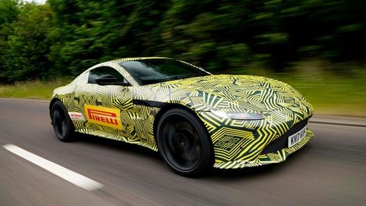 Aston Martin начал рассекречивать новое поколение Vantage