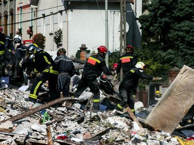 Обрушение дома под Парижем: из-под развалин извлекли тело четвертой жертвы