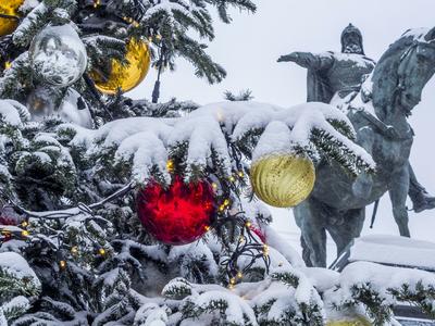 Температурные рекорды закончатся снегом в воскресенье