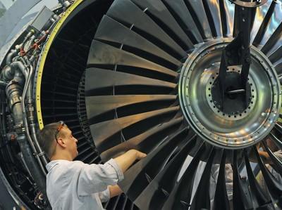 PMI обрабатывающих отраслей РФ в мае упал до 47,6