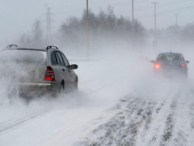 Из-за сильных снегопадов более 40 тысяч домов в Финляндии остались без света