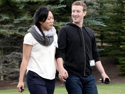 Цукерберг отказался от акций после рождения дочки