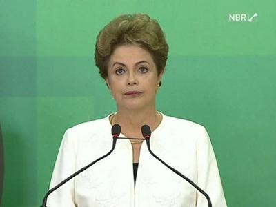"""Судьба Бразилии и Дилмы Руссеф: когда """"импичмент"""" означает """"паралич"""""""