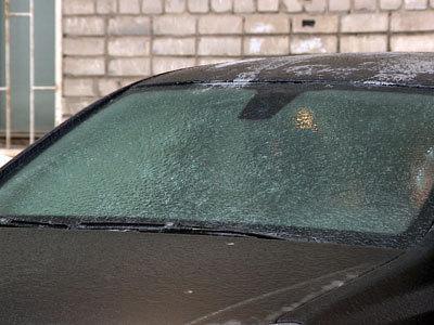 Волгоградские улицы покрылись ледяной коркой