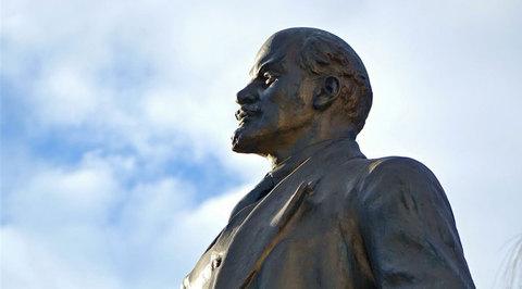 Ленинопад продолжается: украинцы снесли еще один памятник
