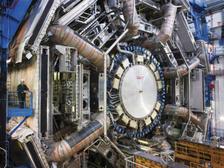 Детектор ATLAS, открытый во время недавней технической остановки  ((фото Maximilien Brice/CERN).)