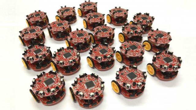 Крошечные автономные роботы копируют роевое поведение пчёл (фото University of Lincoln).