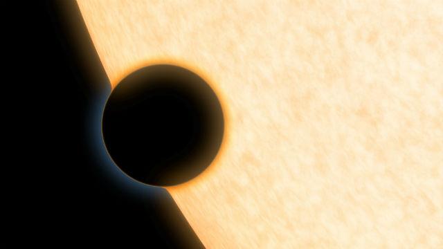 Экзопланета HAT-P-11b в представлении художника (иллюстрация NASA/JPL-Caltech).