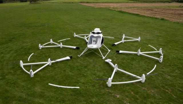 Восемнадцать винтов вместо двух позволяют транспортному средству вертикально взлетать и садиться (фото E-volo).