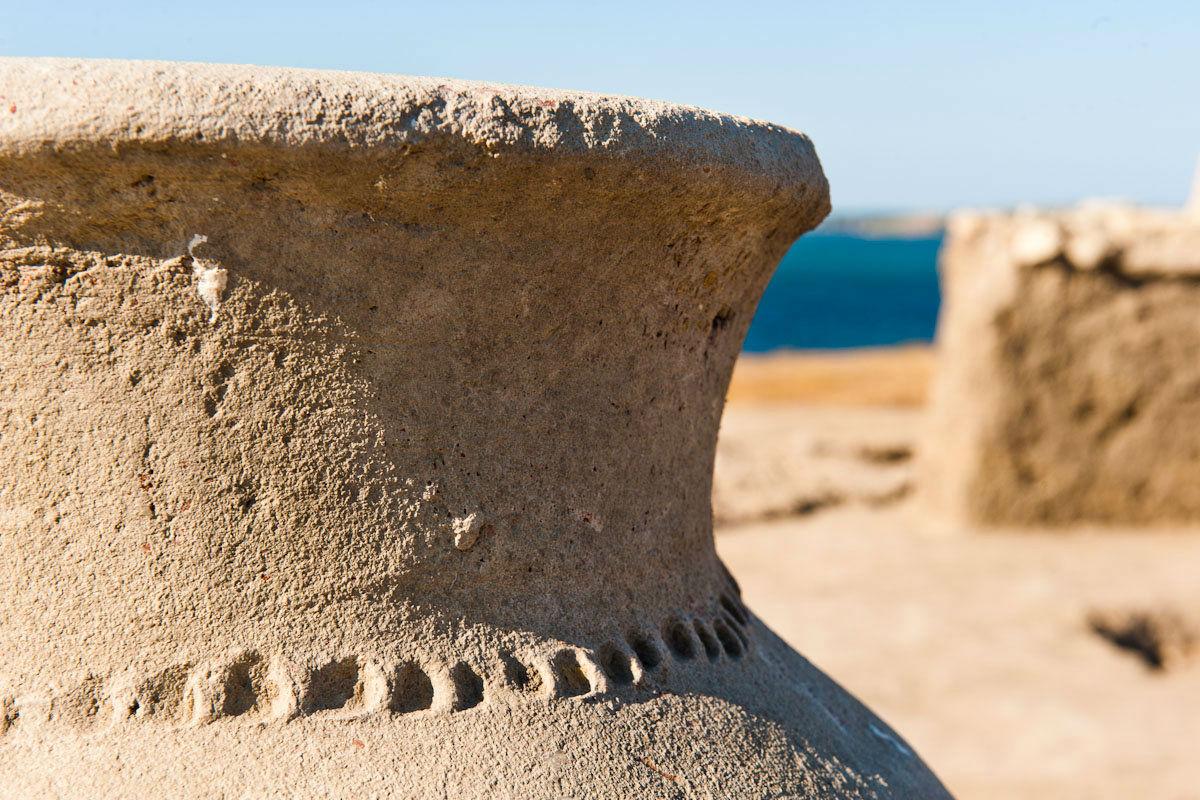 Древнегреческий сосуд-пифос (Фото: Антон Агарков / Strana.ru).