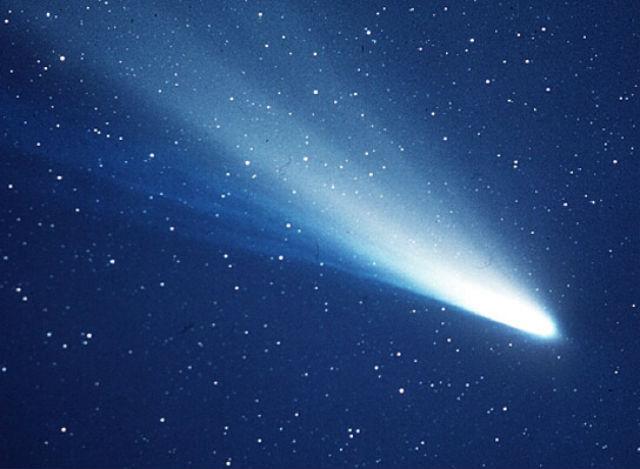 Исследователи из Колумбийского университета полагают, что столкновение куска кометы Галлея с Землёй повлекло за собой снижение температуры на 3˚С (фото NASA).