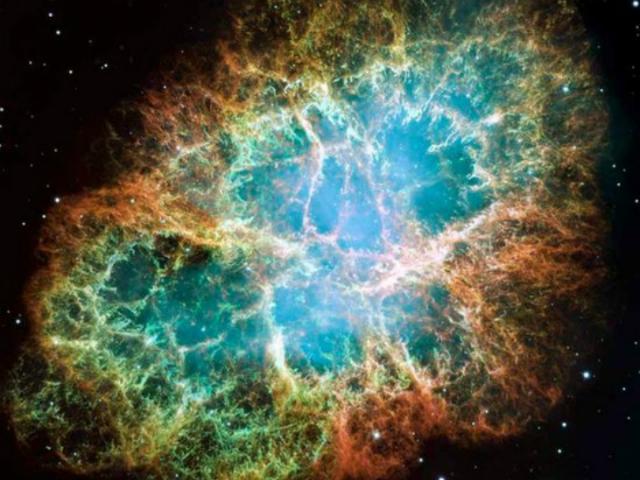 Массивные звёзды умирают во взрывах сверхновых, рассеивая тяжёлые элементы в пространстве (фото HST).