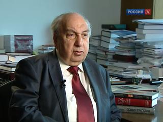 Академик Александр Чубарьян принимает поздравления с 85-летием
