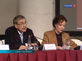 Лауреат Нобелевской премии по литературе Орхан Памук прочел лекцию в Петербурге