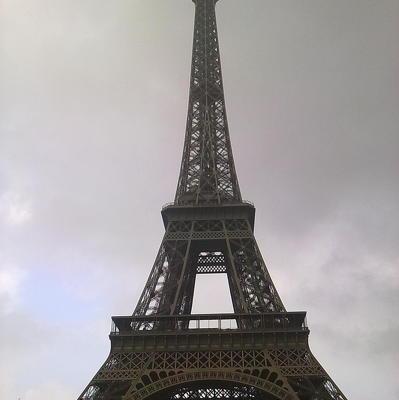 Эйфелева башня закрылась для посетителей из-за протеста персонала