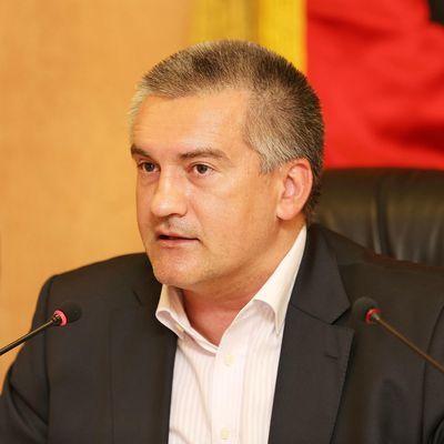 Аксенов призвал крымчан воздержаться от поездок на Украину