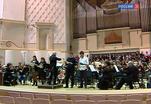 Национальный филармонический оркестр под управлением Спивакова исполнил французскую музыку