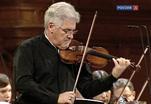 Пинхас Цукерман встал за пульт оркестра