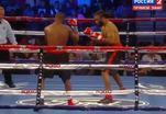 У боксера на ринге из трусов выпал мобильник