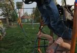 Детские карусели заменяют тренажеры