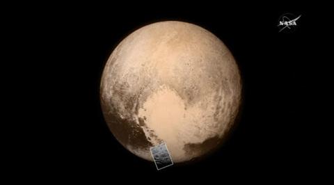 New Horizons обнаружил на Плутоне ледяную гору возрастом 100 миллионов лет