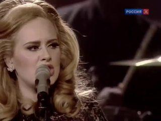 Певица Адель признана самым успешным исполнителем 2015 года
