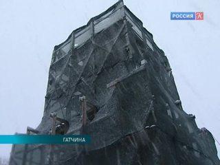 В Гатчине приступили к реставрации символа города – обелиска Коннетабль