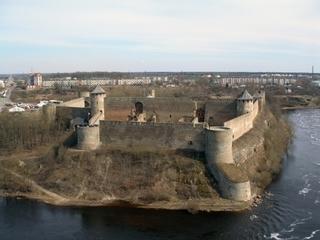 Жители Ленинградской области восстанавливают на островах монументы времен Великой Отечественной