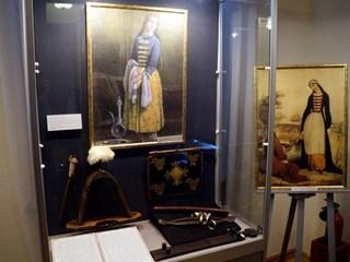 Мир женщины от Средневековья до ХХ века иллюстрирует выставка в Краснодаре