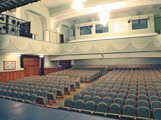 Санкт-Петербургский театр музыкальной комедии имени Акимова открыл новый сезон