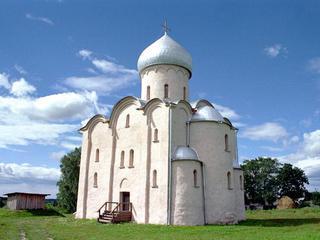 храма xii века новгородской области снесли незаконные постройки