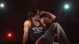 На что способны стальные мышцы культуриста