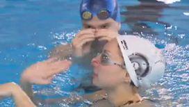 Появился новый вид синхронного плавания: микс-дуэт